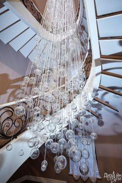 Лестница винтовая с современным дизайном