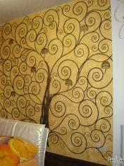 Кованое украшение на стену