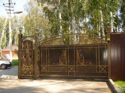 Кованые ворота в загородный дом