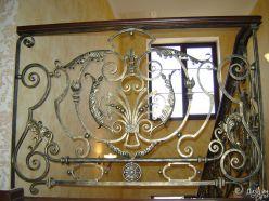 Кованые элементы для лестниц
