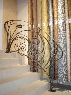 Декор перил с помощью художественной ковки
