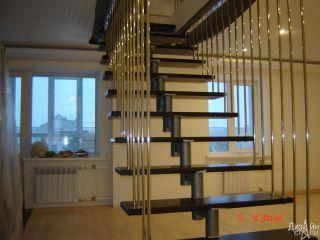1-Эксклюзивная стильная черная лестница с металлическими поручнями